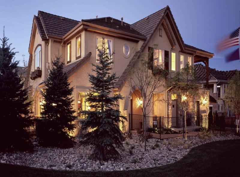 Mansion Home Stucco