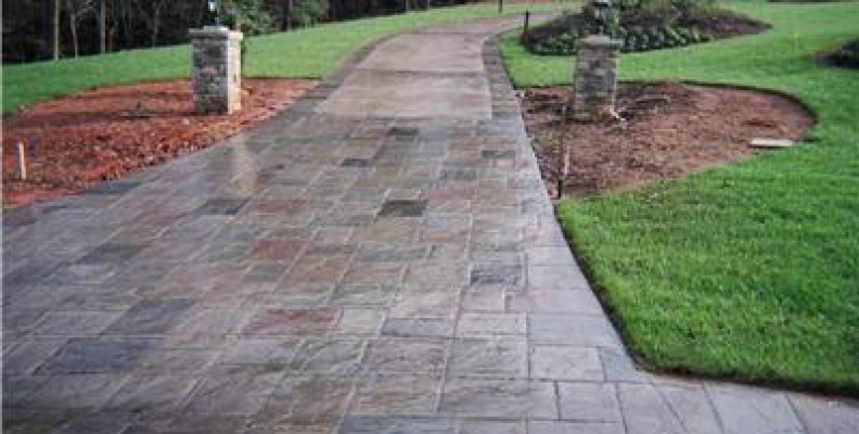 Rebar vs  Wire Mesh in Your Concrete Patio or Driveway